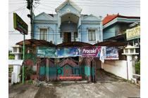 Rumah Besar di Jalan Raya Kartasura Solo