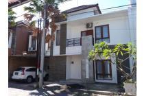 Rumah lantai 2 di kawasan tukad balian renon denpasar selatan