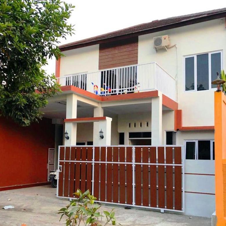 Rumah Dengan Kolam Renang Baru di Purwomartani Dekat Bandara