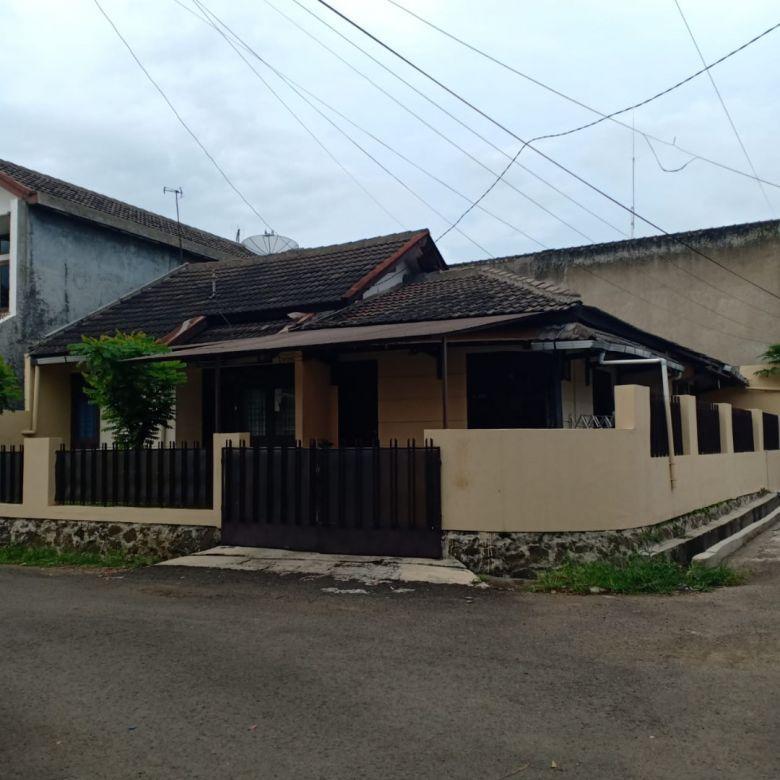 Rumah Komplek Cimindi Raya, Pasteur, Setraduta, Pesantren
