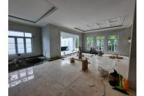 Rumah di Kebayoran Baru, Jakarta Selatan ~ Swimming Pool