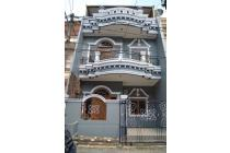 Dijual Rumah Megah Ada Gazebo di Danau Indah Sunter