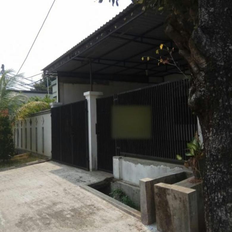 Rumah di Griya Jakarta Pamulang, Tangerang Selatan. Tanah luas