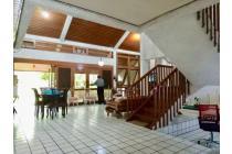 Dijual Rumah Siap Huni 2 Lantai (LT: 575 m2) Furnish Kemang Timur