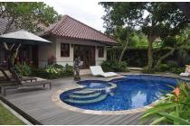 Villa yang luas dijual di Batu Layar dekat Senggigi