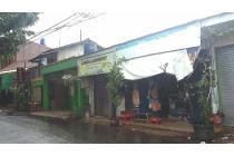 Kios pinggir jalan Jatipadang Pasar Minggu jaksel