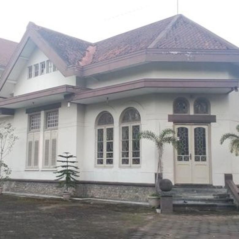 Rumah(Cagar Budaya) Halaman Luas di  TimurTuguJogja