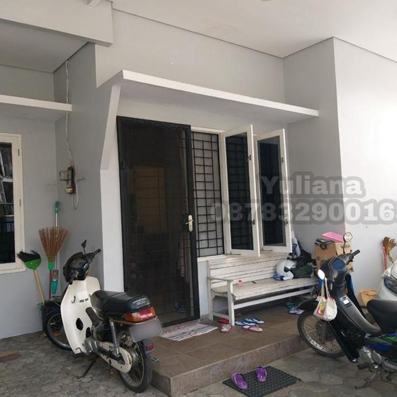 Rumah Bagus tingkat 1.5 lantai Bangunan Baru siap pakai di Perumahan Pondok Indraprasta, Semarang