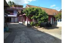 Tanah Bonus Rumah 2 Unit di Pinggir Jalan Magelang