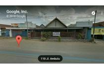 Rumah Besar Lokasi Pinggir Jalan di Balung- Jember