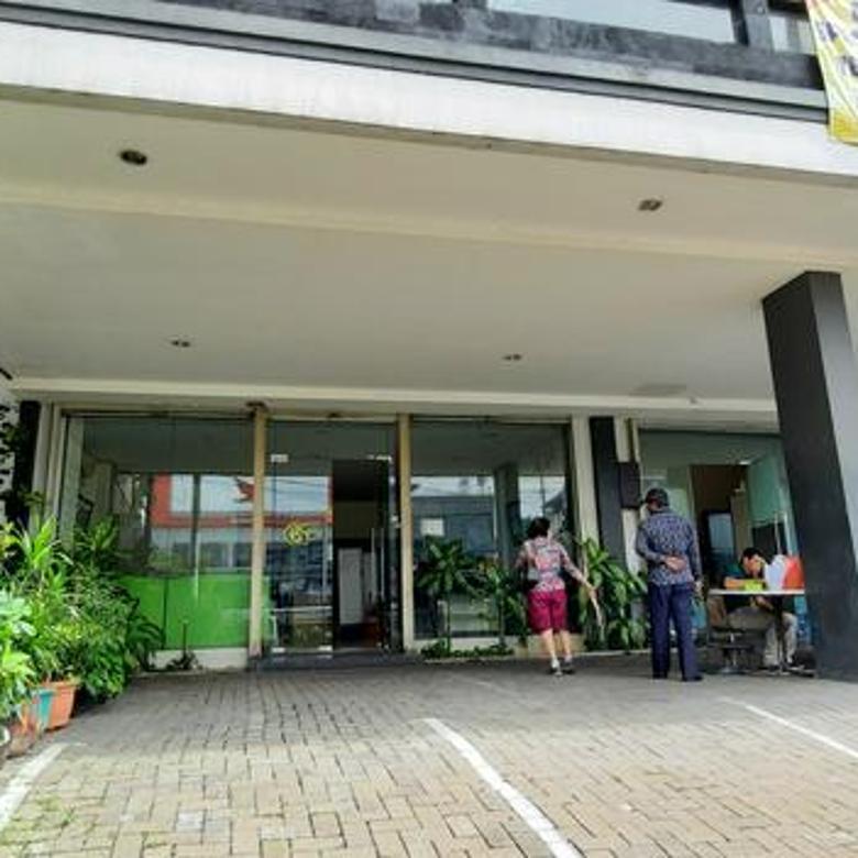 Ruko 2 lantai Super Strategis, Bisa untuk Kantor, Let Jen Suprapto, Senen, Jakarta Pusat. Siap pakai, Nego
