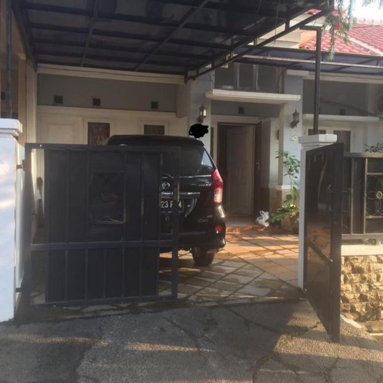 Dijual Rumah 1,5  lantai di Taman Sari,949