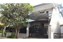 Dijual rumah 2 lantai strategis di Ngagel Jaya Surabaya