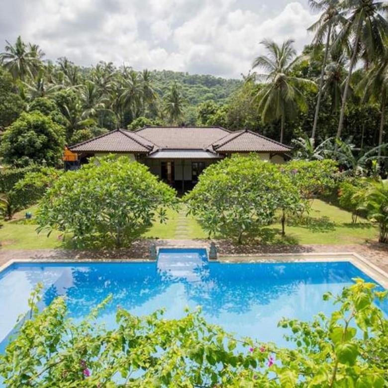 Fully Furnish Villa with Big Land in Batu Layar, Senggigi