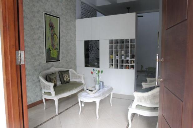 Rumah Asri di Jakarta Selatan 12663299