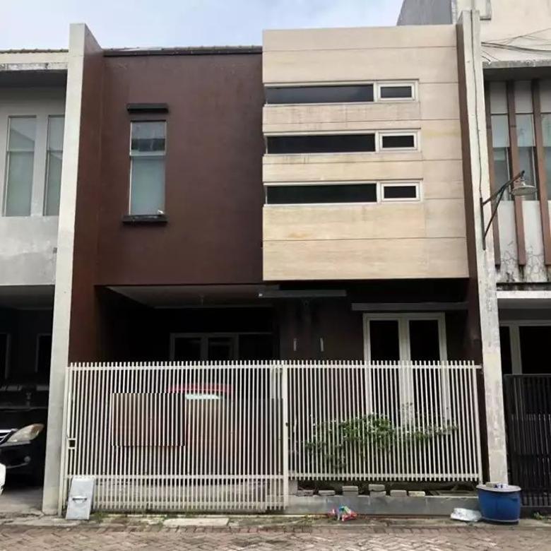 Rumah Minimalis Full Bangunan Dekat Dharmahusada
