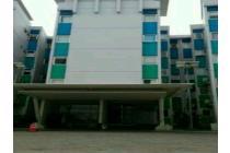 Hotel Budget di belakang bandara SOETA