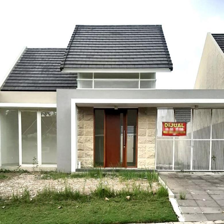 Rumah Modern Halaman Luas di Citra Grand Mutiara