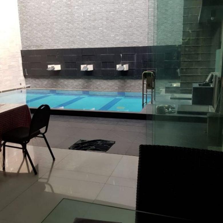 rumah raya royal residence mewah bangunan sendiri pool