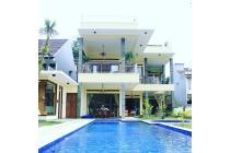 DESIGN HOTEL rumah mewah di DAGO BANDUNG ada Swimming Pool