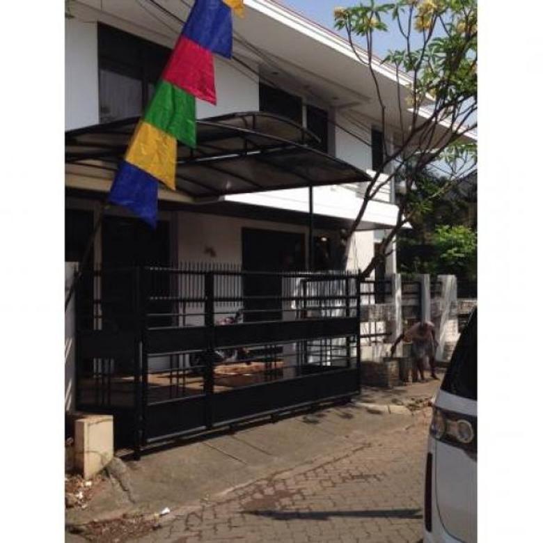 Disewakan Rumah di Kebon Jeruk, Perumahan Taman Kedoya Permai PR941