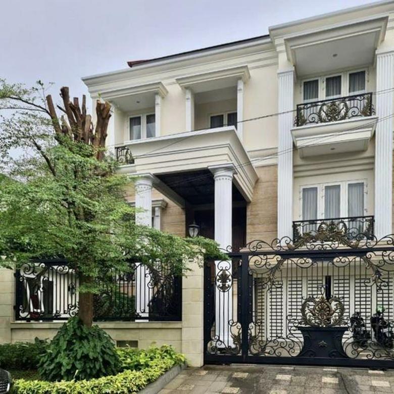 [] rumah mewah dengan design classic modern terletak di kawasan premium @ pondok indah