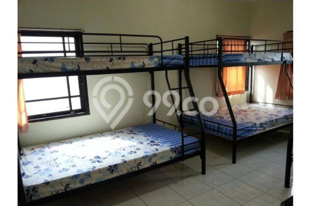 rumah 3 kamar tidur luas tanah 300m2 di jalan raya