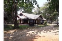 Villa mutiara carita cottages.