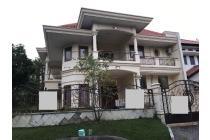 (ANG) Rumah Hoek Kondisi Siap Huni Model Minimalis Klasik di Graha Family