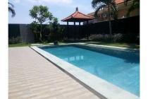 Villa di Umalas Lestari dekat pantai brawa- VLA 12
