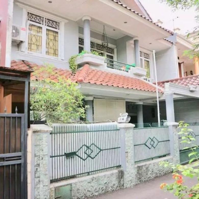 Dijual Rumah 3 Lantai, Lokasi Strategis Berada di Tebet