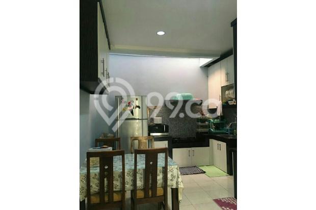 Ruang makan & dapur | ada kitchen set rapi 18273744