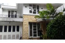 Rumah Lama, 2 Lantai, Kolam Renang, di Kencana, Pondok Indah