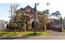 Rumah Mewah Full Furnished, Lokasi Boulevard, Araya