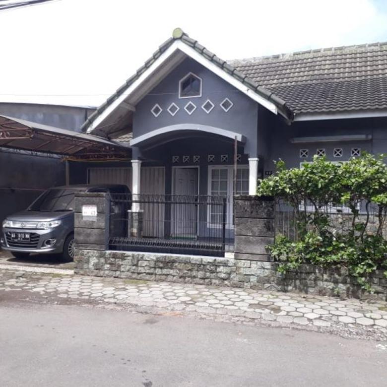 Rumah Sewa 3 kamar dekat kampus jln kaliurang km 7.5 ngabean