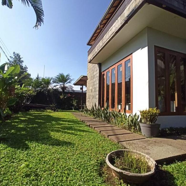 Rumah Furnished Spacious Garden Setra Duta