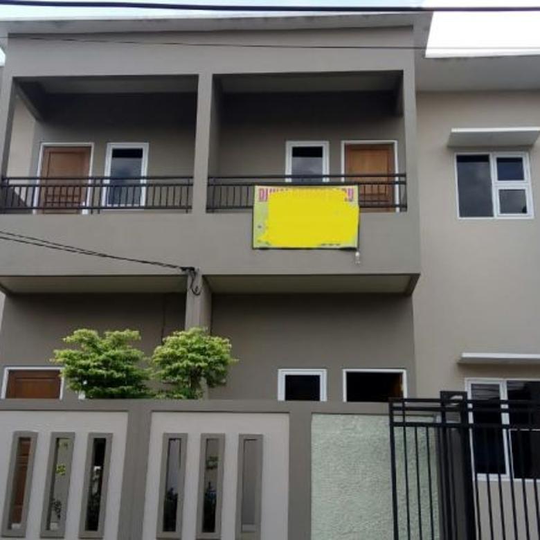 Rumah siap huni di lokasi strategis di Kampung Rambutan