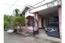 rumah 2 lantai di tengah Kota Malang