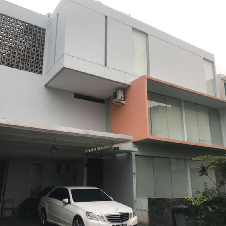 Dijual Townhouse Modern di Kemang, Jakarta
