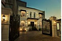 Luxury House di jalan Bangka ( dekat ke Senopati dan  jl Tendean )