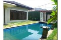 One Level Nice House In Quiet Area @ Cilandak