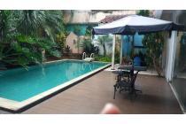 Rumah luas elegant di lokasi strategis dan premium Menteng area