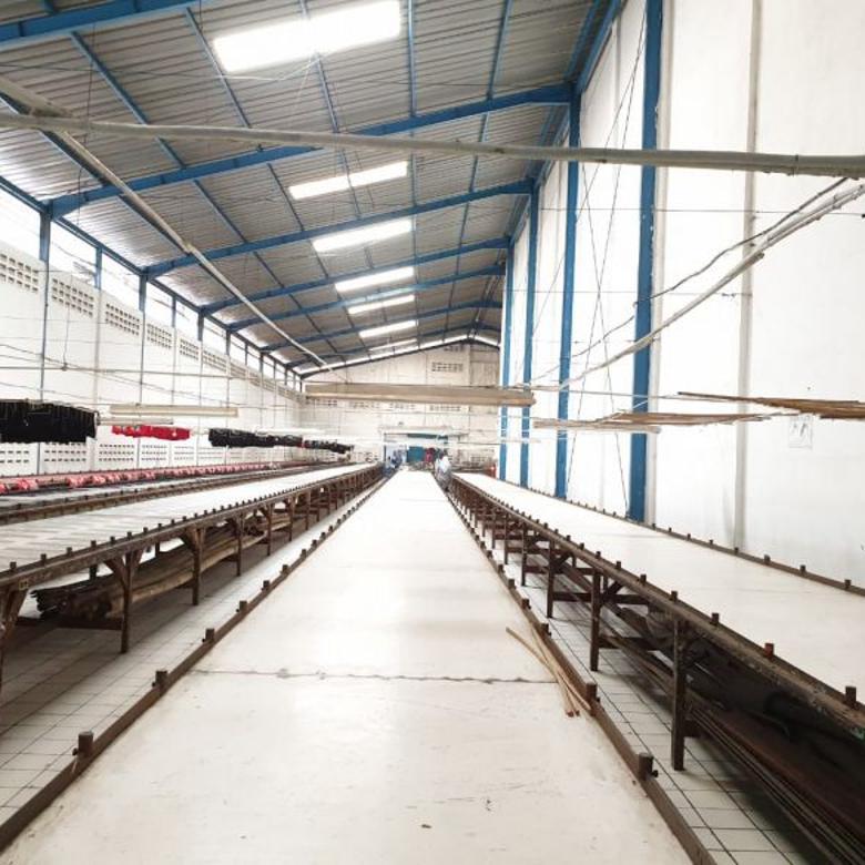 Dijual Pabrik di Terusan Holis