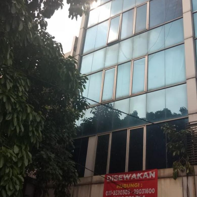 Ruko Strategis di Pusat Kota,Lebar 6 m,Ada Lift & Bebas Banjir