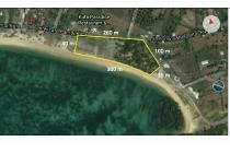 Tanah Pinggir Jalan Di Pantai Kuta Lombok