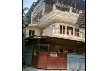 rumah hoek kondisi bagus 3.5 lantai di jelambar