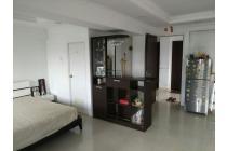 Apartemen Mutiara di pinggir tol Bekasi Barat