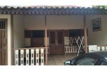 Disewakan Rumah Bagus Model Betawi, Duri Kepa, Tanjung Duren