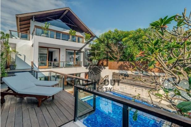 Rp25mily Vila Dijual