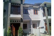 Rumah Minimalis Konsep Jepang 2 Lantai dalam Cluster. Srengseng. Nego